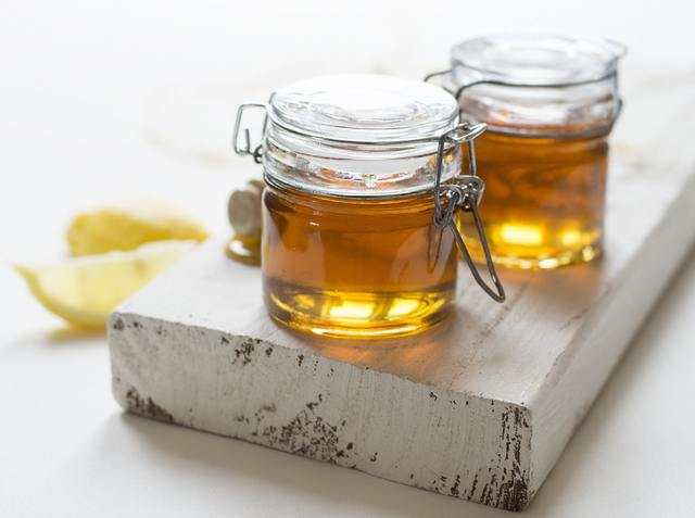 Honey as a teenage acne prevention